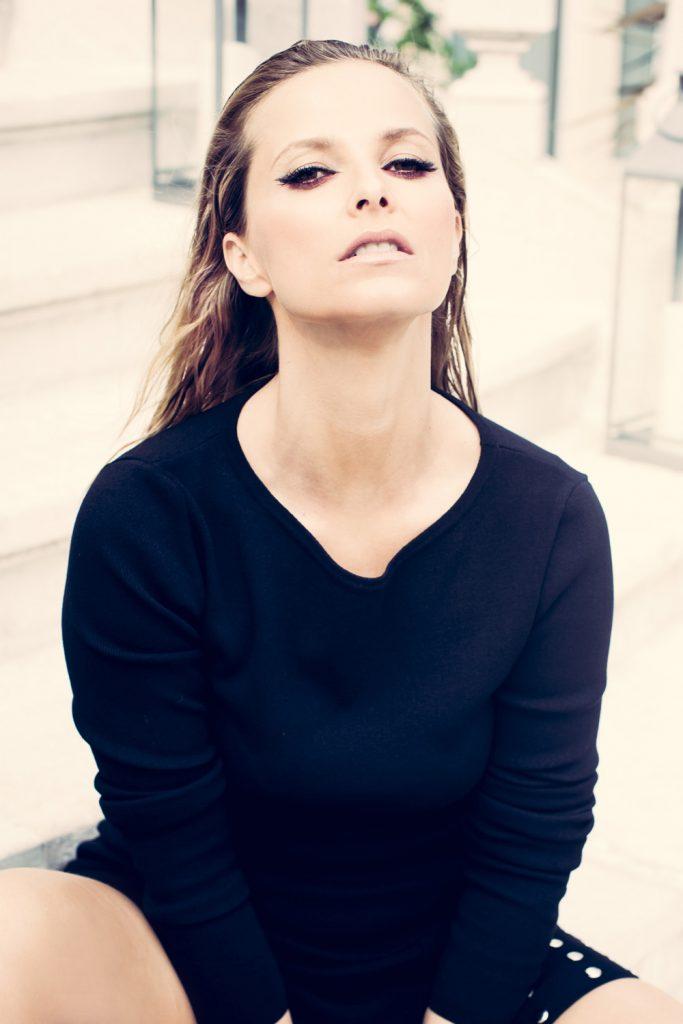 all-black-daily-cristina-10